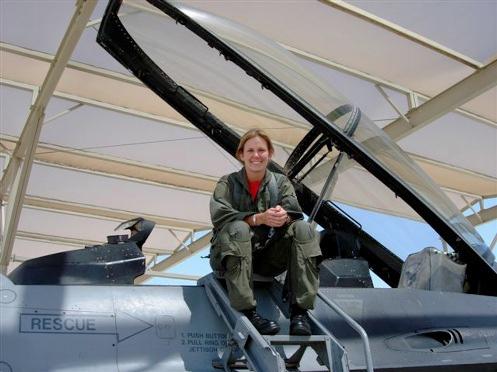 F 16 Pilot Tulumu Capt. Christina